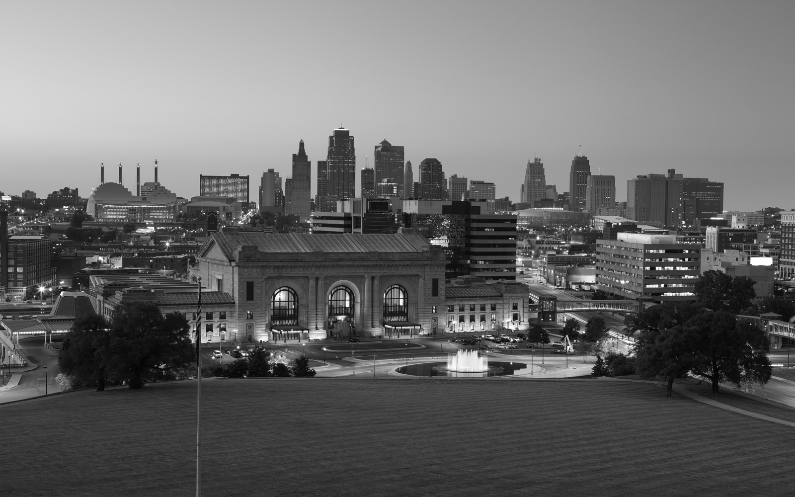 kansas-city-skyline-bw2
